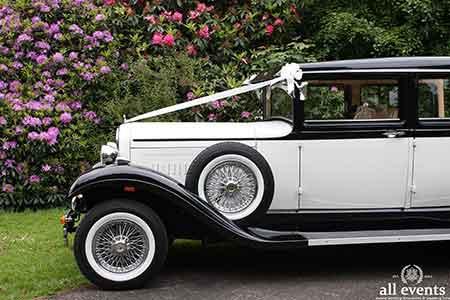 redBonnie-Brenchley-wedding-car-134
